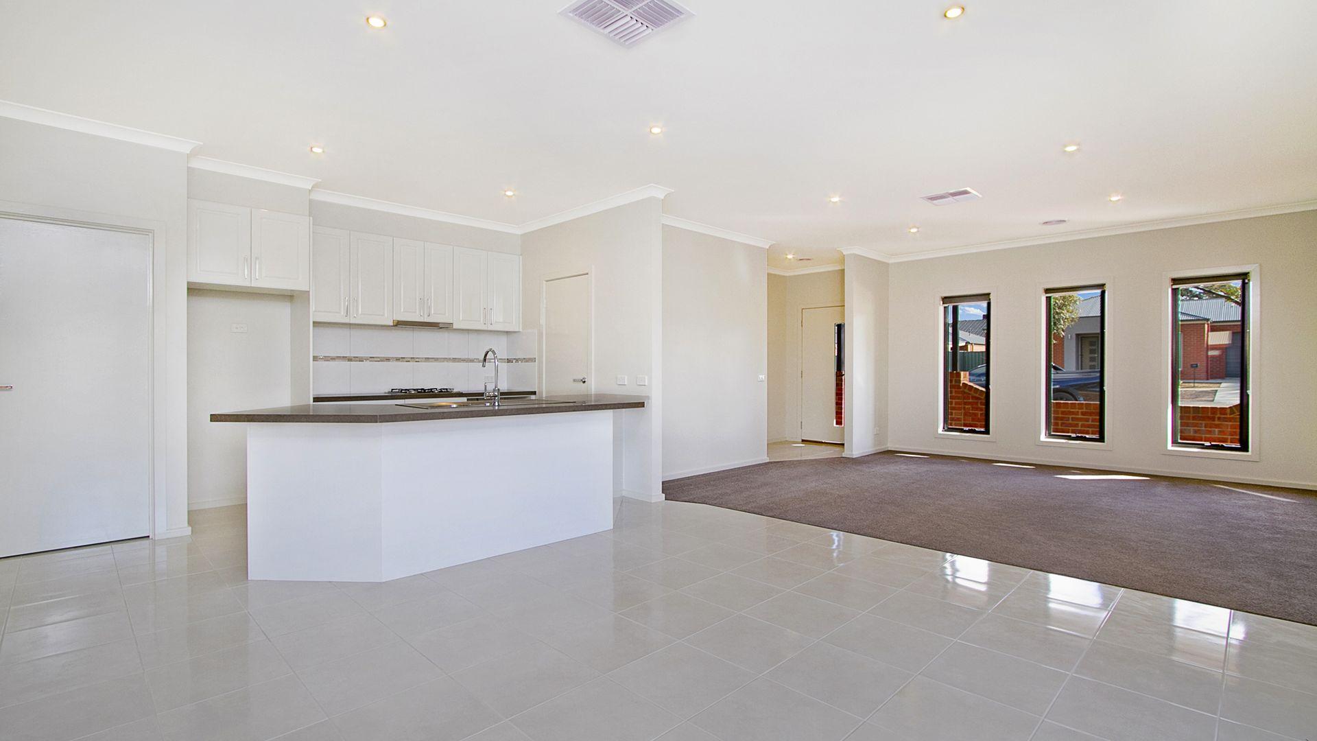 21 Muriel Street, Kangaroo Flat VIC 3555, Image 1