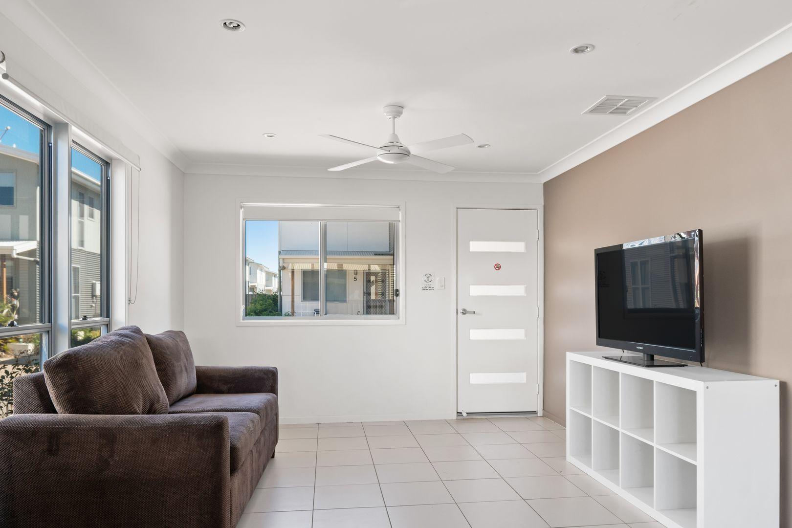 1/37-39 Daisy Street, Miles QLD 4415, Image 1