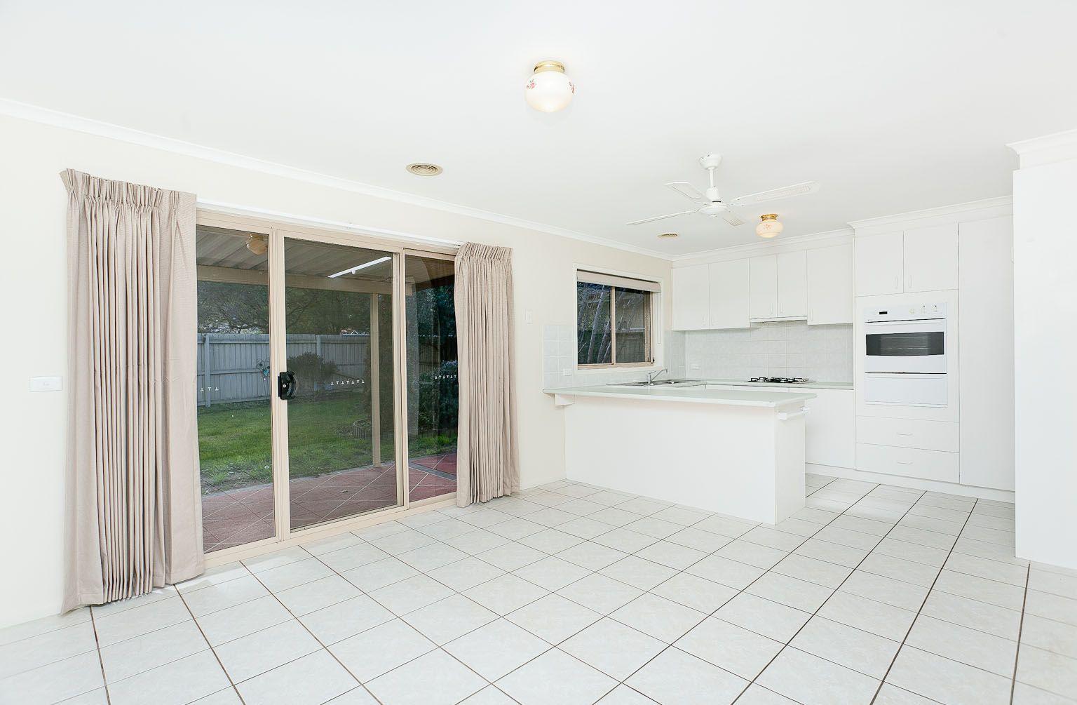 23 Rosewood Glen, Jerrabomberra NSW 2619, Image 2