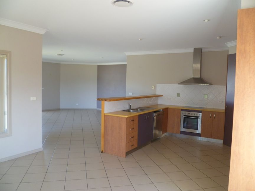 4 Coolibah Drive, Inverell NSW 2360, Image 2