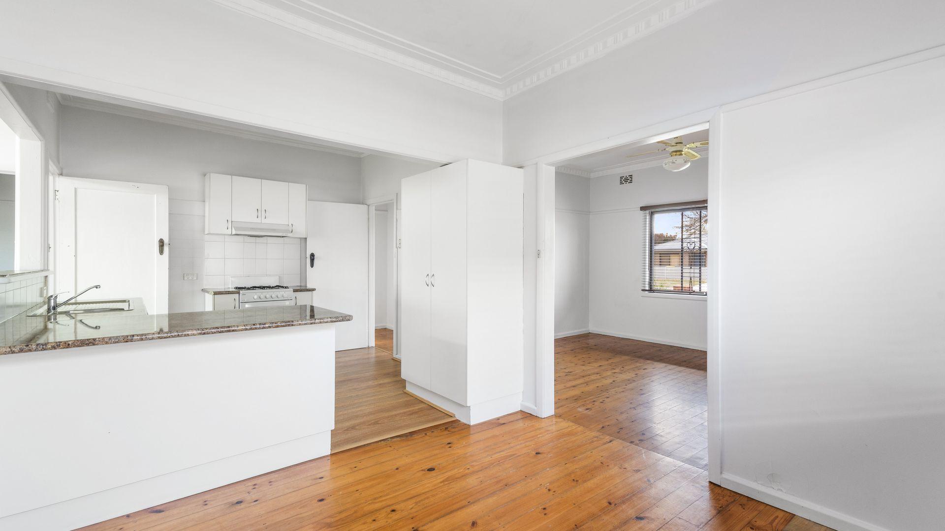 379 Kokoda  Street, North Albury NSW 2640, Image 1