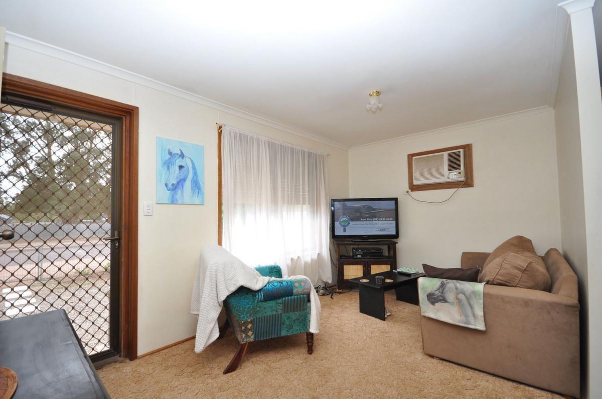 2 McKerlie Street, Stirling North SA 5710, Image 2