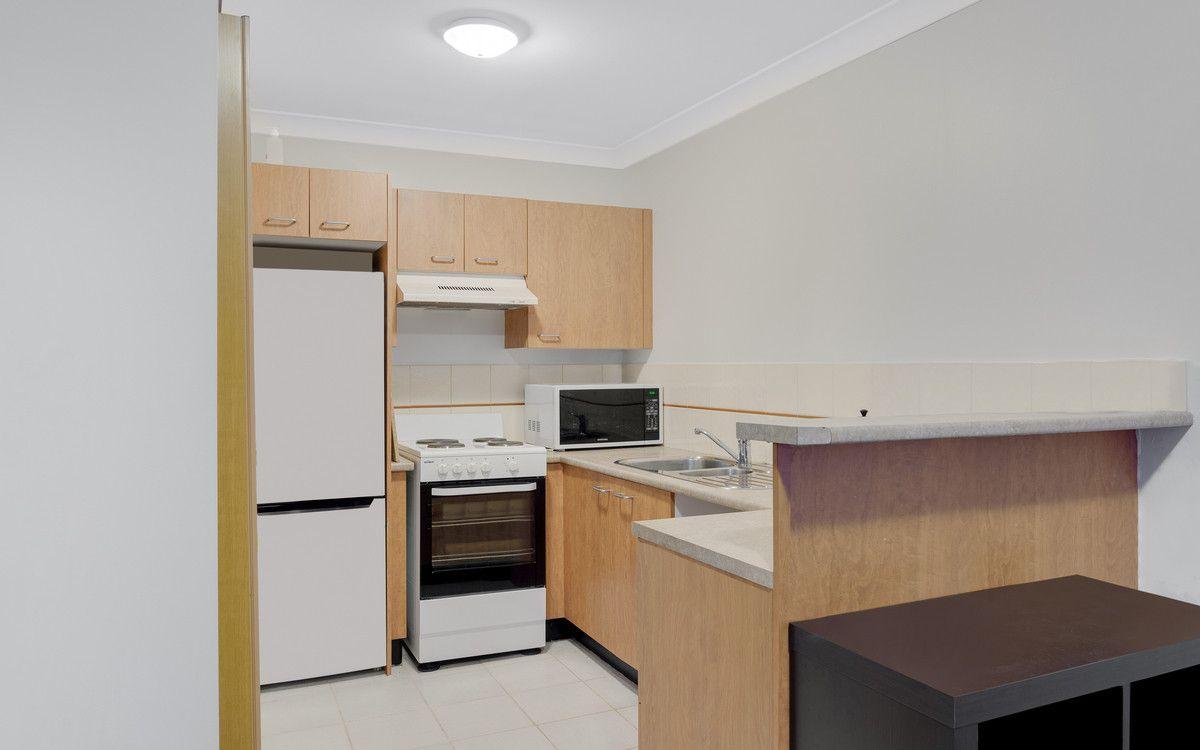 10/32-34 Springwood Avenue, Springwood NSW 2777, Image 2