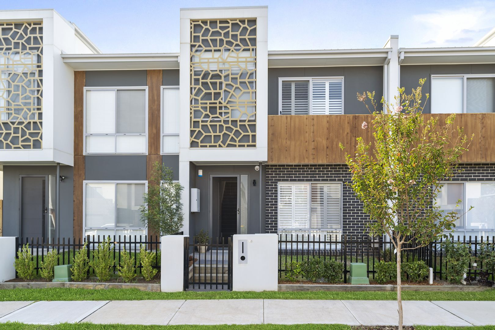 13 Curlewis Street, Gledswood Hills NSW 2557, Image 0