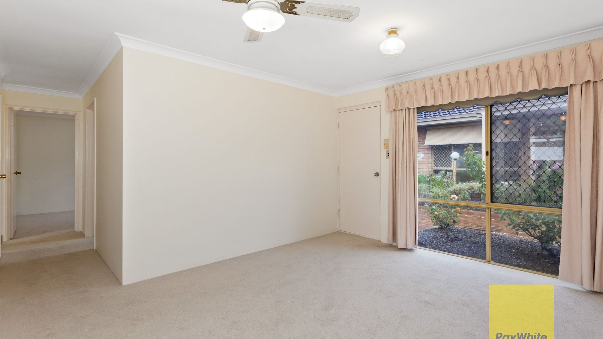 30/15 Mereworth Way, Marangaroo WA 6064, Image 2
