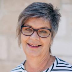 Leanne George, Sales representative
