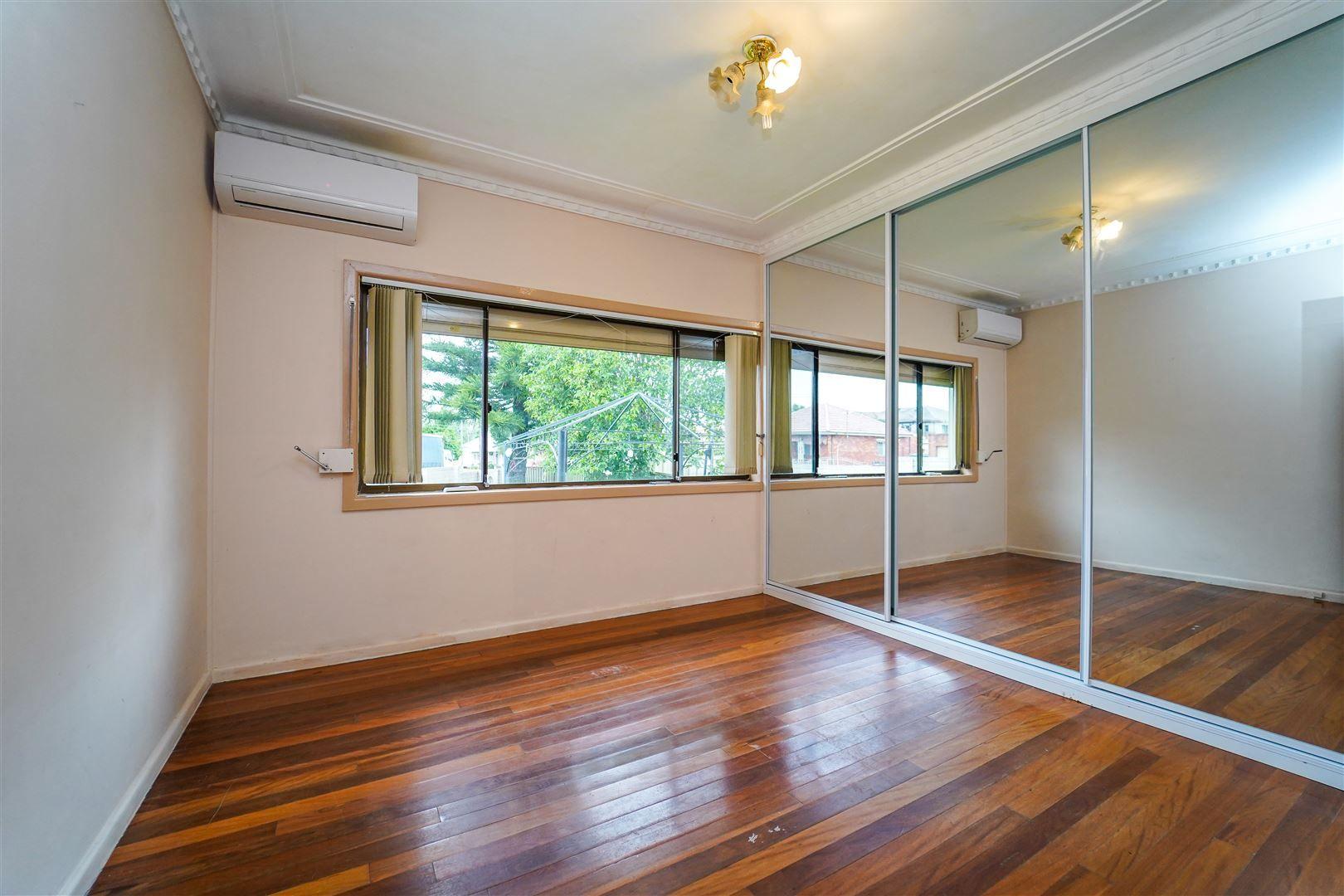 13 Coleraine Street, Fairfield NSW 2165, Image 2