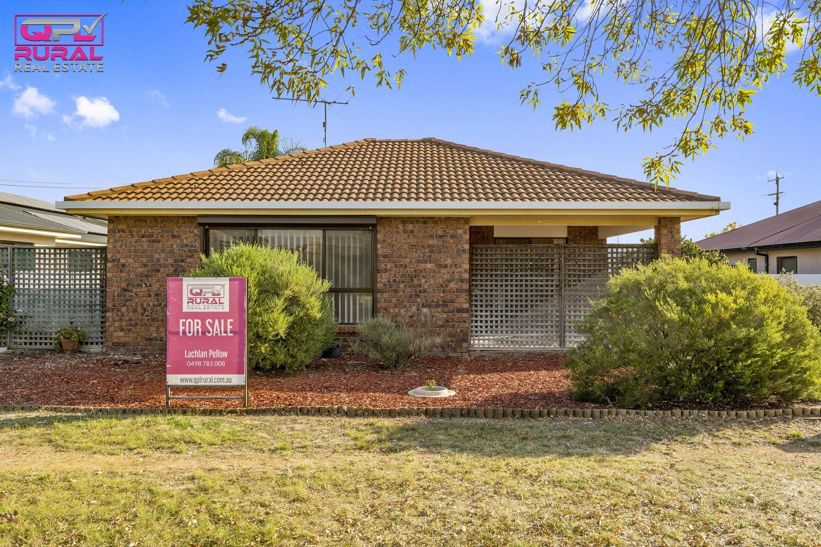 1/188 Deboos Street, Temora NSW 2666, Image 0