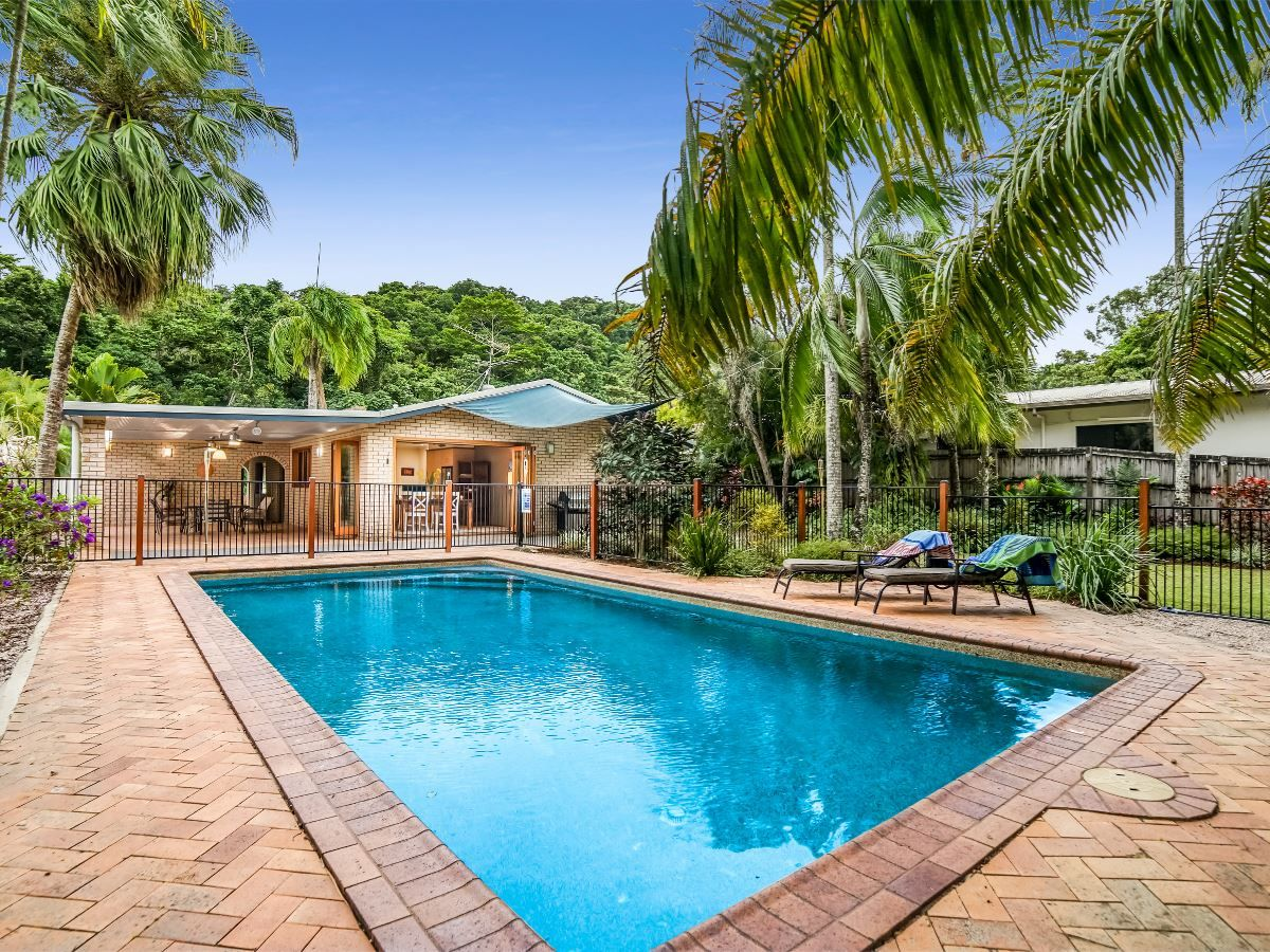 24 Mackey Close, Brinsmead QLD 4870, Image 0