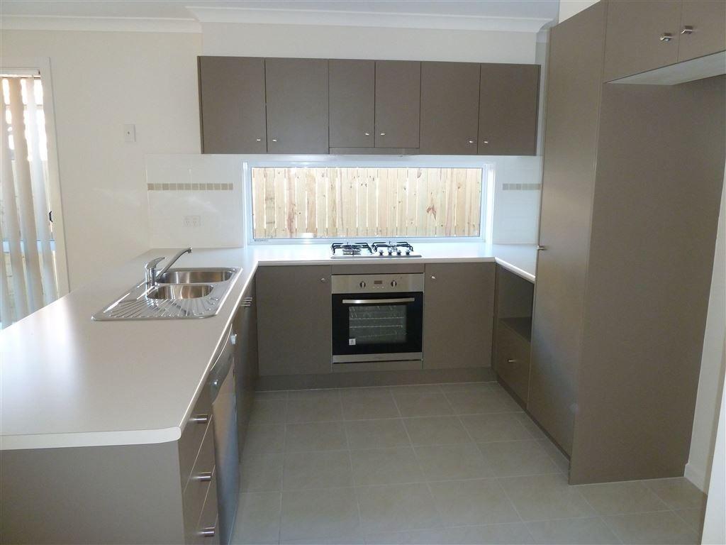 45 Huntley Crescent, Redbank Plains QLD 4301, Image 9