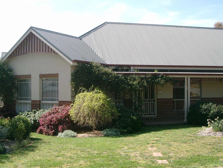 2 Wentworth Court, Jerrabomberra NSW 2619, Image 0