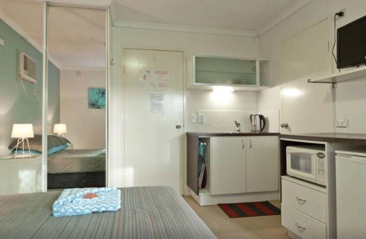 75 Thorn Street, Kangaroo Point QLD 4169, Image 2