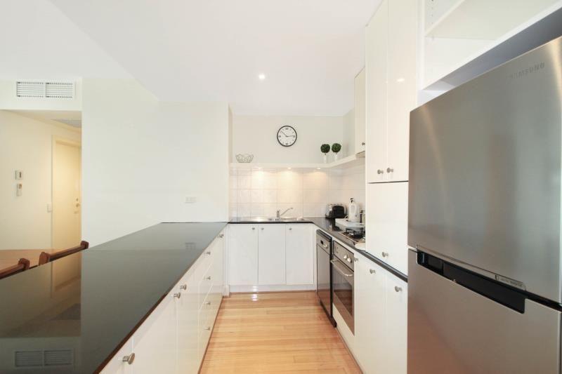 4202, 2-4 Yarra Street, Geelong VIC 3220, Image 2