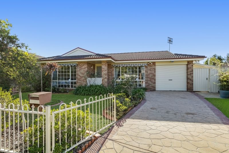 25 Castlereagh Crescent, Bateau Bay NSW 2261, Image 0