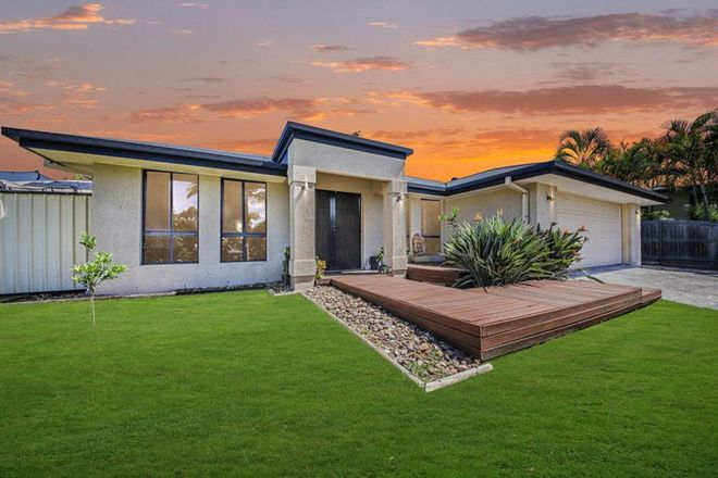 Picture of 19 Franzin Drive, CASHMERE QLD 4500
