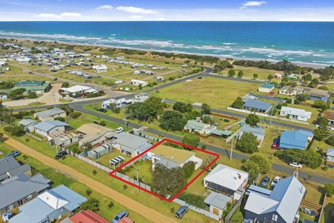 Picture of 10 Buckley Street, SEASPRAY VIC 3851