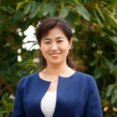 Helen Wang, Sales representative