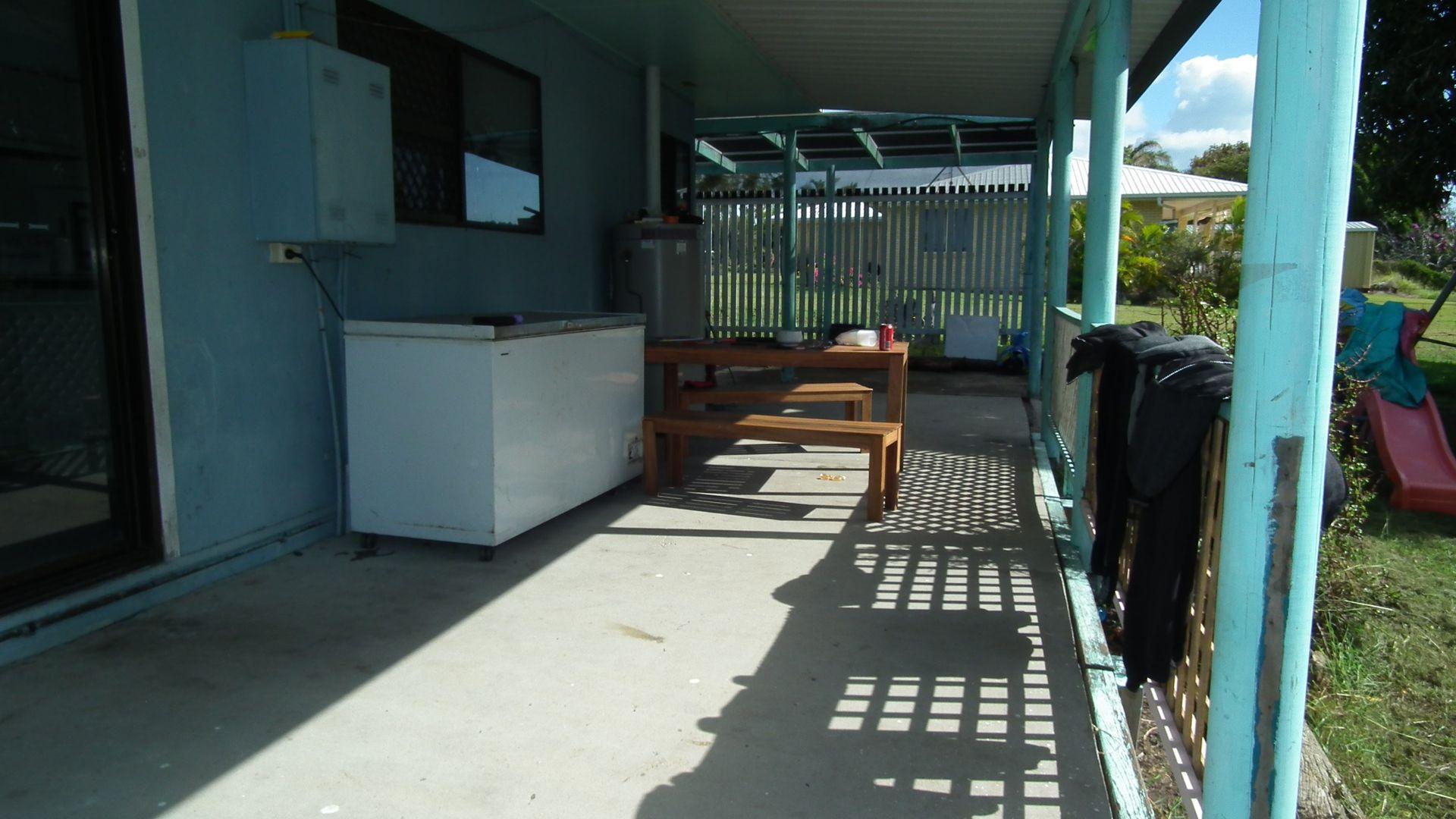 22 Bruce St, Torquay QLD 4655, Image 2