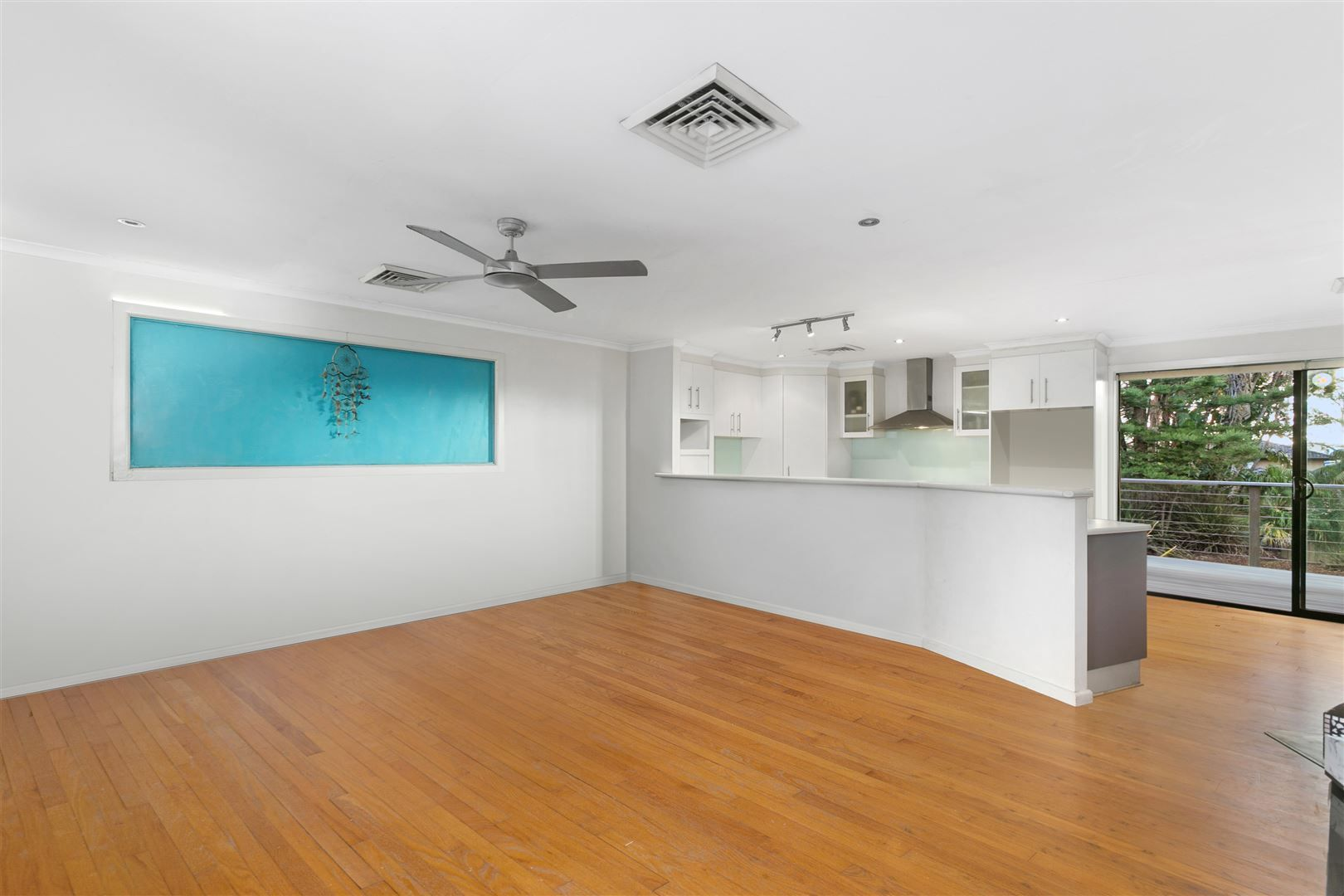 59 Crammond Boulevarde, Caringbah NSW 2229, Image 2