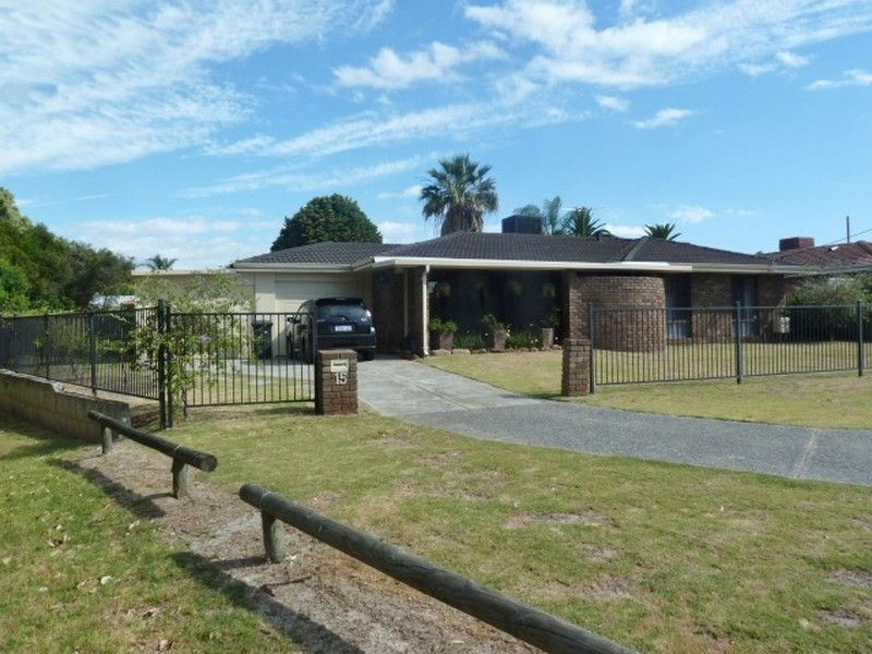 15 Ilford Place, Thornlie WA 6108, Image 0