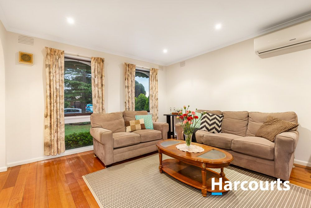 4 Wimbourne  Court, Wantirna VIC 3152, Image 1