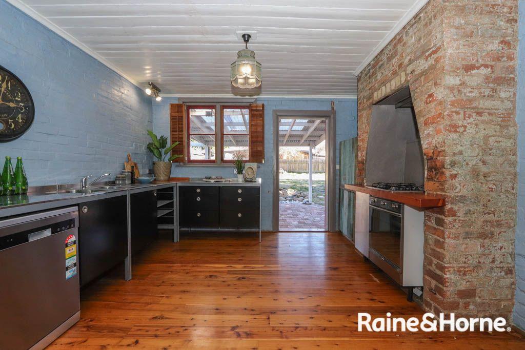 27 Bant Street, Bathurst NSW 2795, Image 2