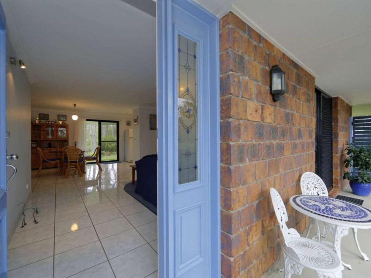22 Narooma Drive, Branyan QLD 4670, Image 2