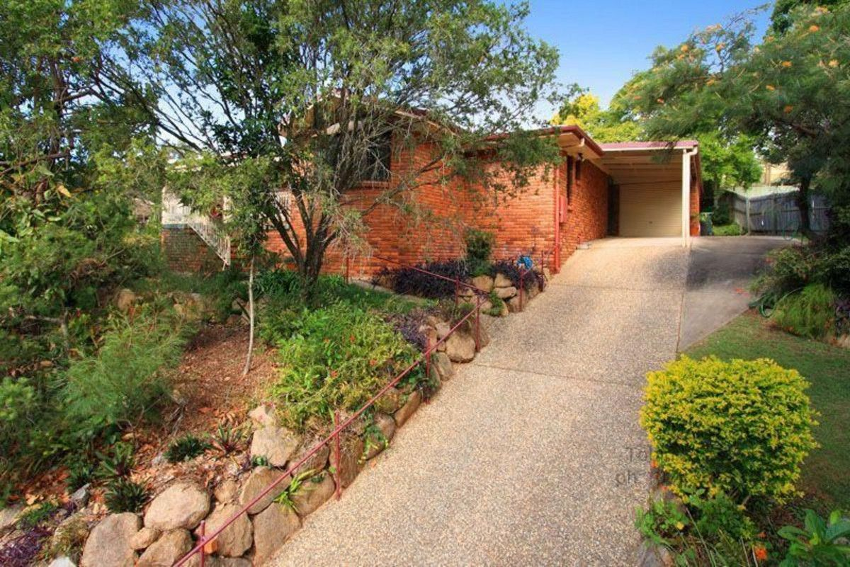 16 Rossmoya Street, Carindale QLD 4152, Image 0