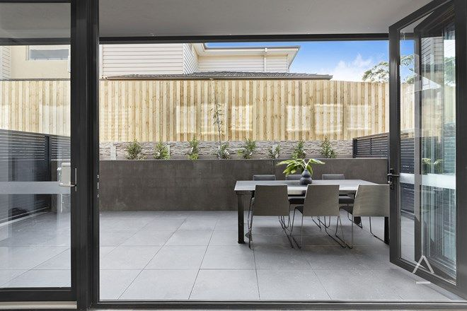 Picture of 2/803 Whitehorse Road, MONT ALBERT VIC 3127