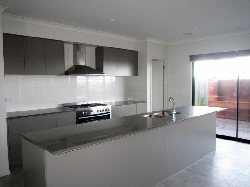 27 George Frederick Road, Cranbourne West VIC 3977, Image 1