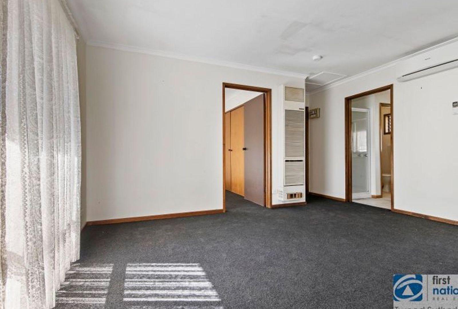 1/23 Hope Street, Kangaroo Flat VIC 3555, Image 2