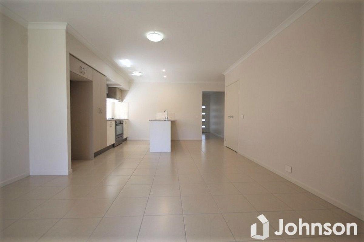 10 Brushbox Street, Ripley QLD 4306, Image 2