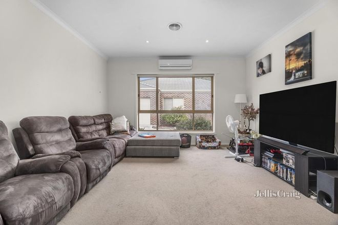 Picture of 1/18 Gale Street, CANADIAN VIC 3350