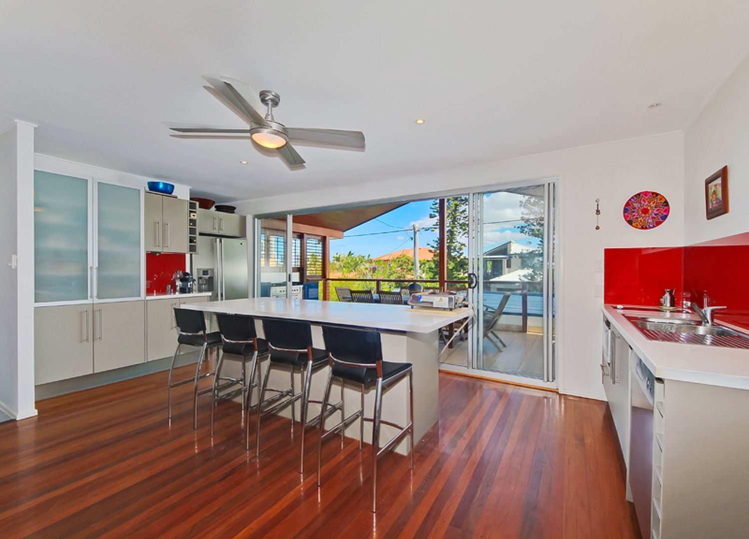 9 Yacht Street, Southport QLD 4215, Image 2