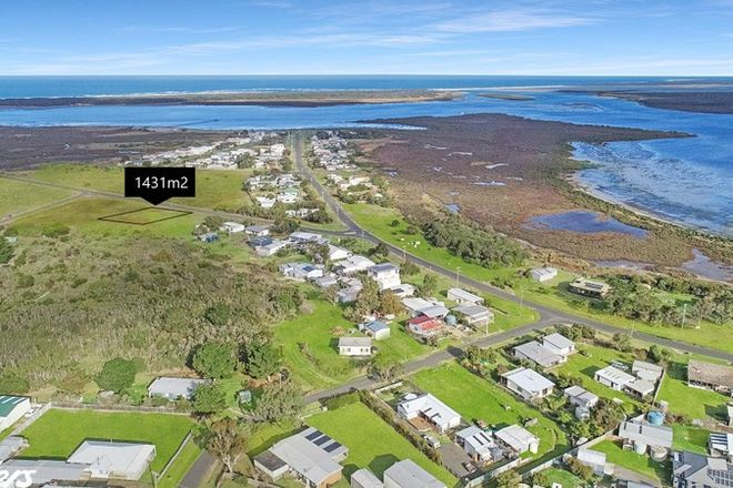 Picture of 14-16 FORESHORE ROAD, MCLOUGHLINS BEACH VIC 3874