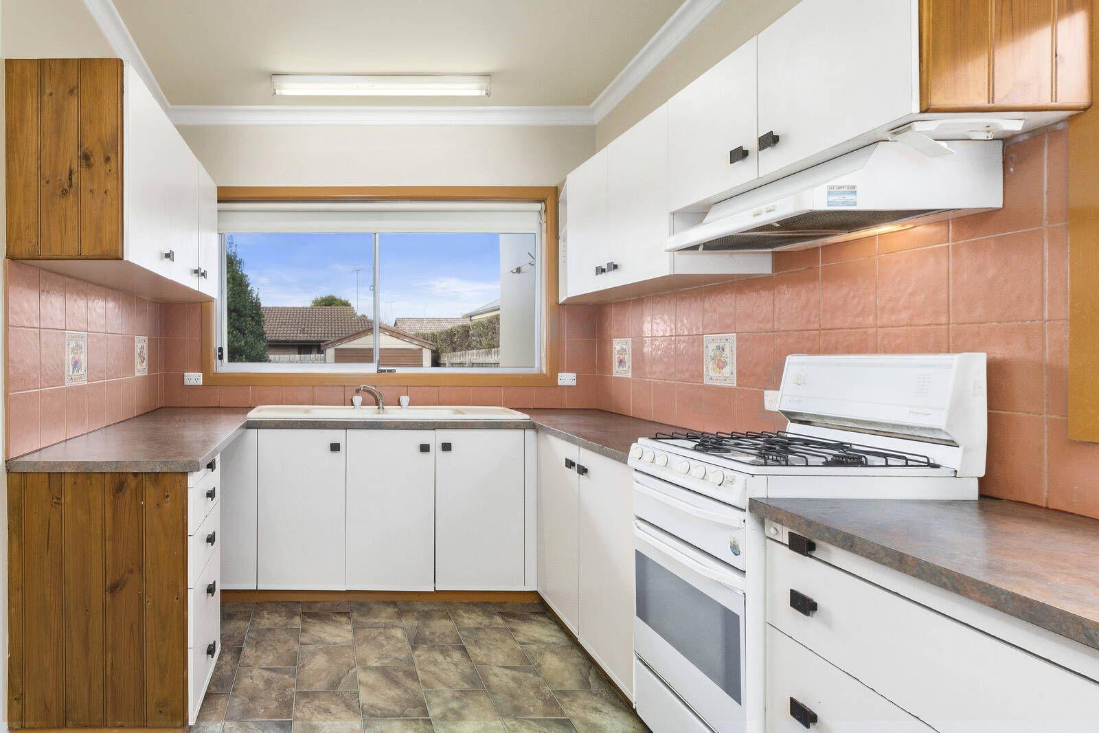 3 Scarlett Street, Geelong West VIC 3218, Image 2
