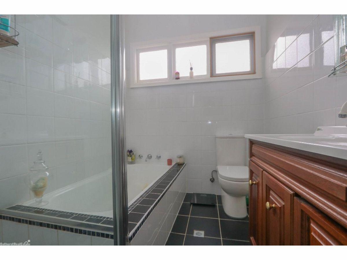 201 Browning Street, Bathurst NSW 2795, Image 1