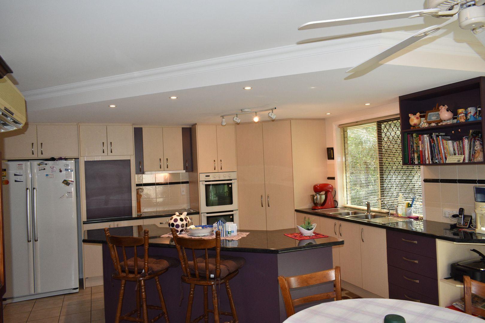 8 Amanda Ave, Oakhurst QLD 4650, Image 1