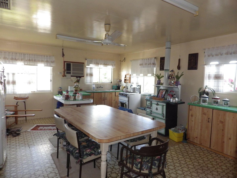 43 Russell Street, Wallumbilla QLD 4428, Image 2