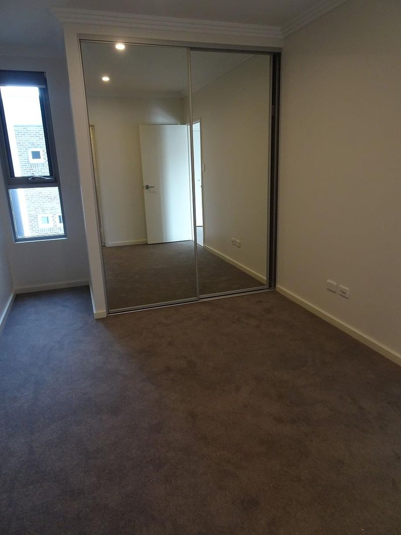 305/15-17 Maclaurin Avenue, East Hills NSW 2213, Image 2