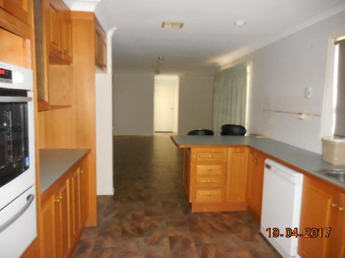65 Osbourne Drive, Bathurst NSW 2795, Image 2