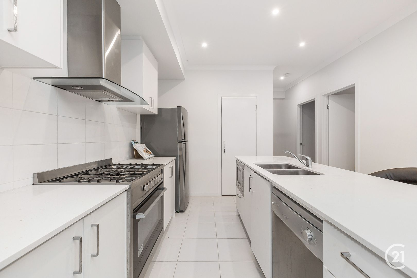 91 Sunnybank Drive, Point Cook VIC 3030, Image 2