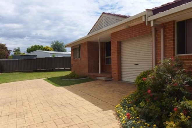 Picture of 3/10 Curlew Crescent, TAMWORTH NSW 2340