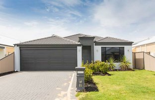Picture of 11 Passendale Crescent, Piara Waters WA 6112