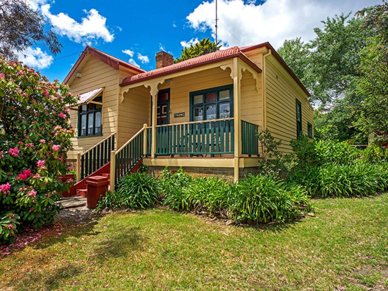 6 Neale Street, Katoomba NSW 2780, Image 0