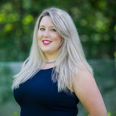 Zoe Wales, Leasing Manager