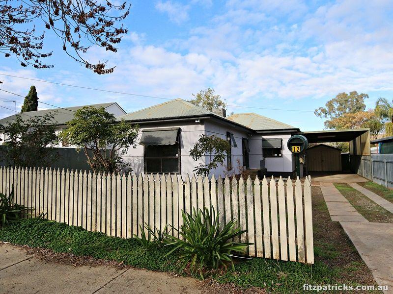 12 Castlereagh Avenue, Mount Austin NSW 2650, Image 0