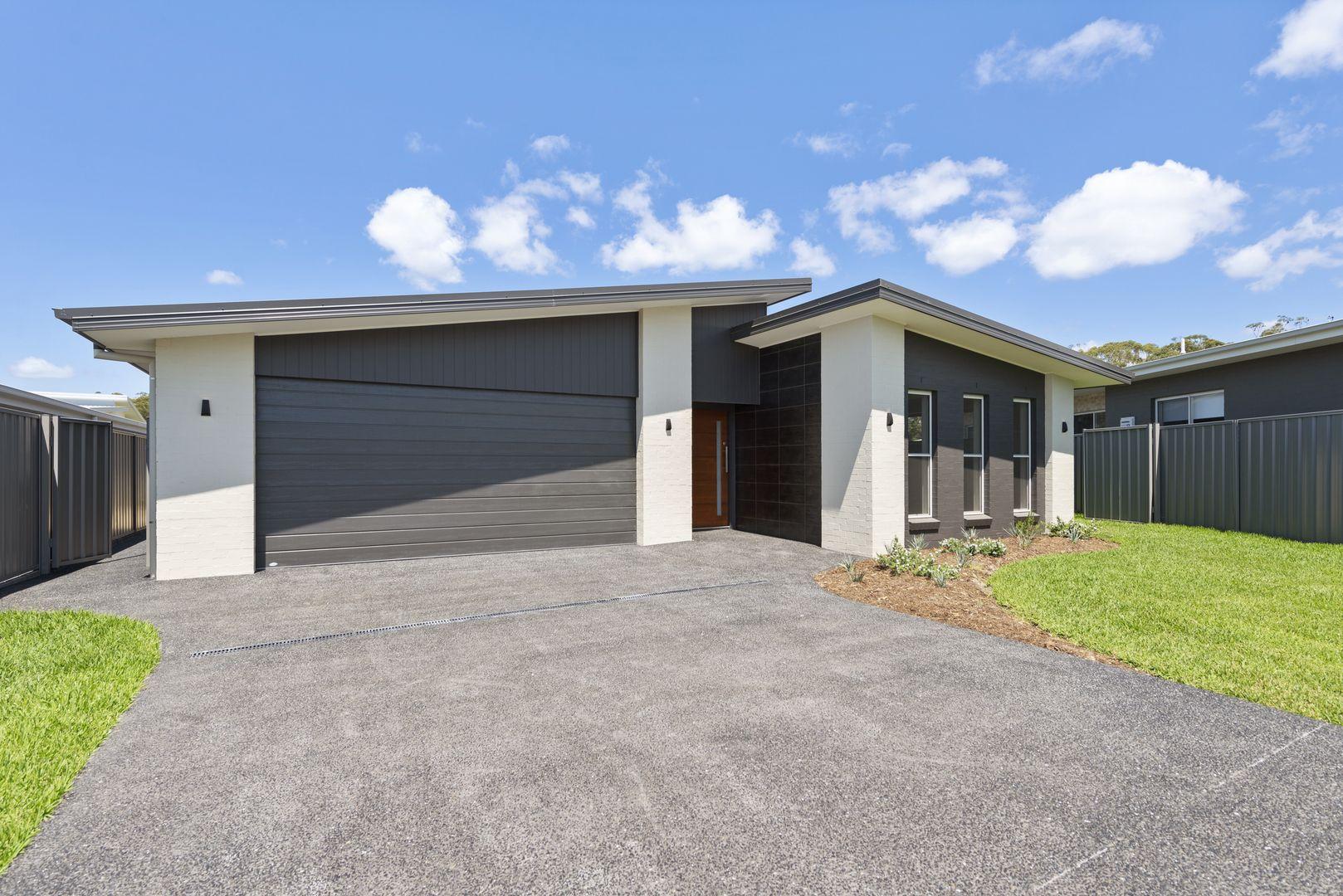13 Helmsman Close, Safety Beach NSW 2456, Image 2