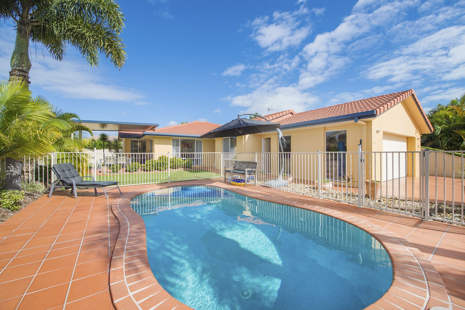 30 Coronet Crescent, Burleigh Waters QLD 4220, Image 0