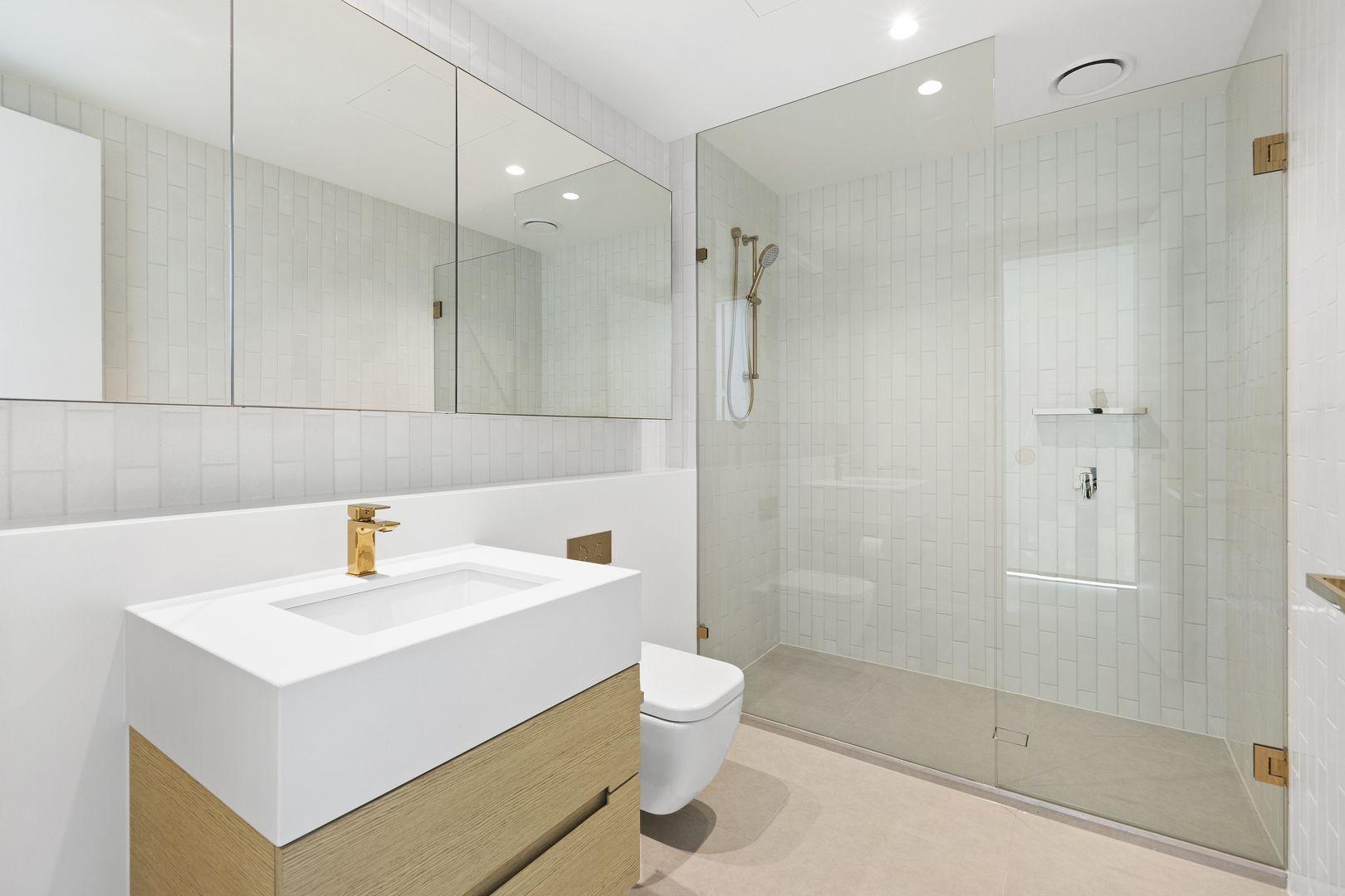 4704/464 Collins Street, Melbourne VIC 3000, Image 2